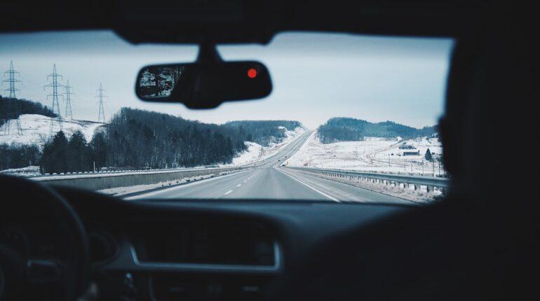 Voiture sur la route